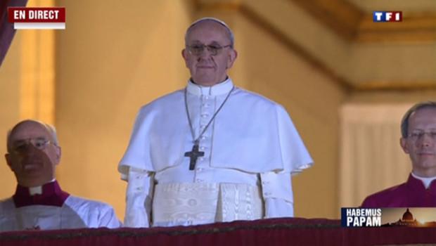 Nouveau pape il est devenu cur apr s s 39 tre pris un r teau - Reagir apres un rateau ...