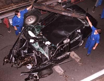 lady-diana-se-tue-dans-un-accident-de-voiture-sous-le-pont-de-l-alma---o-parisaccidentdiana2