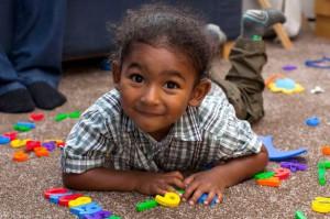 À 2 ans, Adam Kirby est l'une des personnes les plus intelligentes du monde  %C2%A3Adam-Kirby-300x199