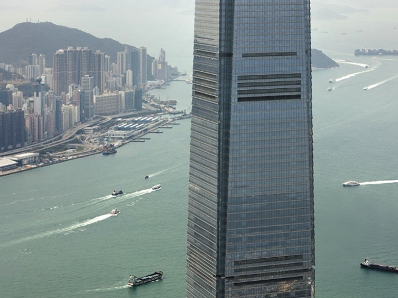 2.-Le-Ritz-Carlton-a-Hong-Kong_exact780x585_l