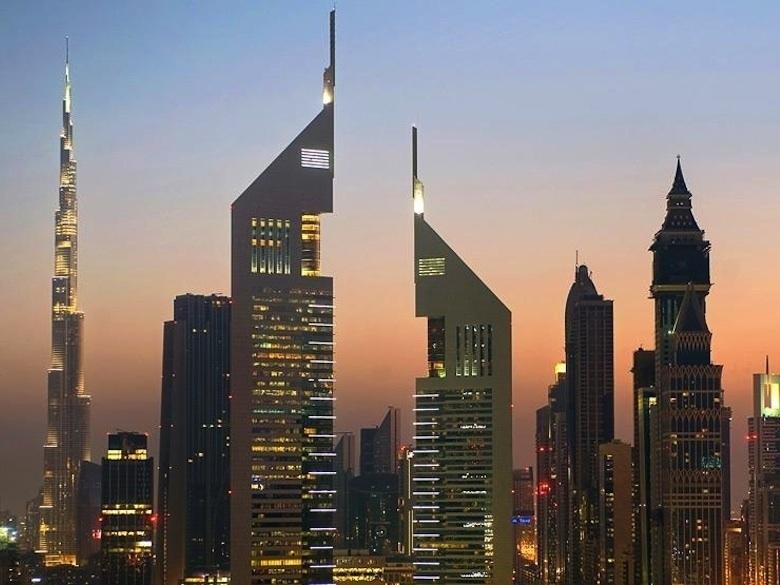 4.-Les-deux-tours-du-Jumeirah-Emirates-a-Dubai_exact780x585_l
