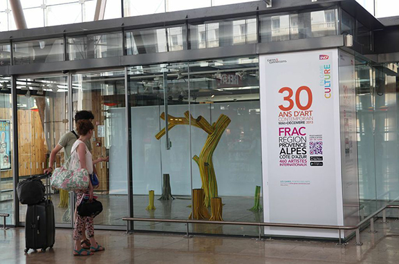 FRAC-art-gare-SNCF-application-Smartphone-contemporain-artiste-marketing-communication-pub-4