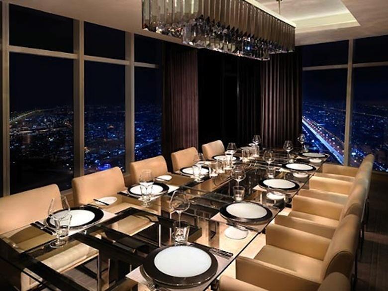et-sa-vue-sur-le-quartier-financier-de-Dubai_exact780x585_l