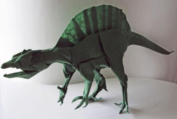 des-feuilles-de-papier-se-metamorphosent-en-magnifiques-animaux-grace-a-des-origamis12