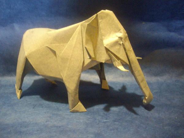 des-feuilles-de-papier-se-metamorphosent-en-magnifiques-animaux-grace-a-des-origamis16