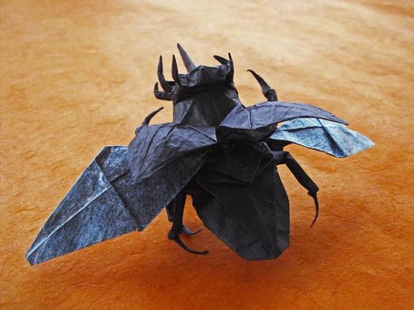 des-feuilles-de-papier-se-metamorphosent-en-magnifiques-animaux-grace-a-des-origamis18