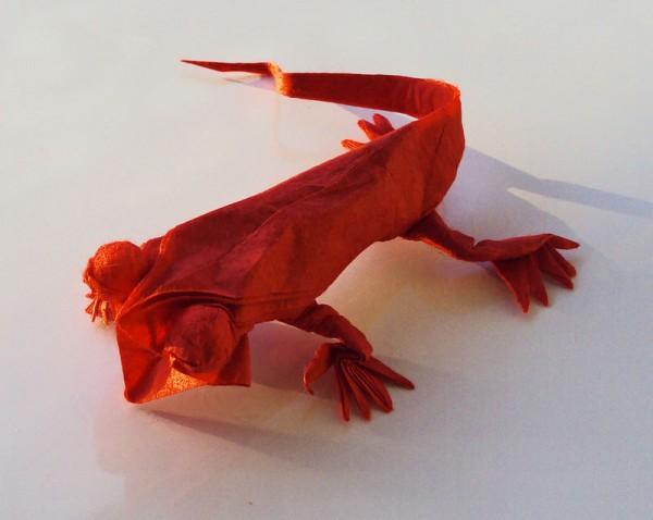 des-feuilles-de-papier-se-metamorphosent-en-magnifiques-animaux-grace-a-des-origamis26