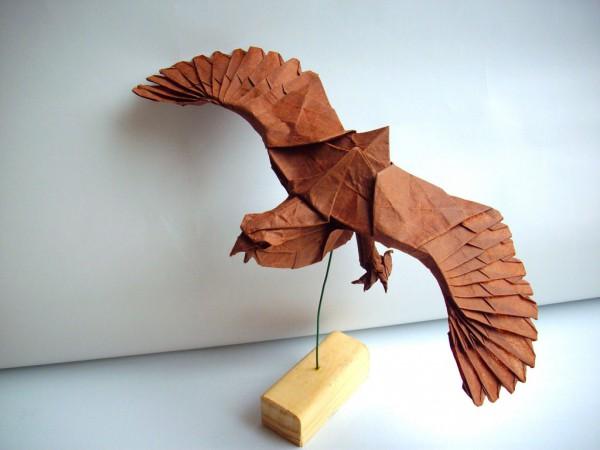 des-feuilles-de-papier-se-metamorphosent-en-magnifiques-animaux-grace-a-des-origamis6