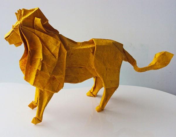 des-feuilles-de-papier-se-metamorphosent-en-magnifiques-animaux-grace-a-des-origamis8