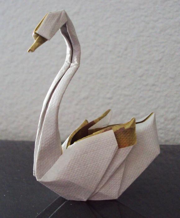 des-feuilles-de-papier-se-metamorphosent-en-magnifiques-animaux-grace-a-des-origamis9