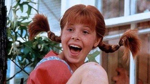 20 ans elle tourne son premier pono et se fait enculer - 1 4