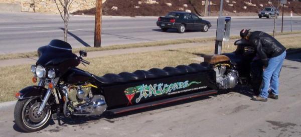 PHOTO - Le plus gros VN du monde Moto-limousine-600x274