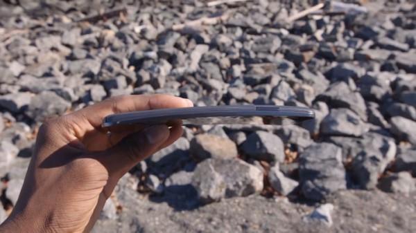 lg-g-flex-le-smartphone-revolutionnaire-qui-se-repare-tout-seul4