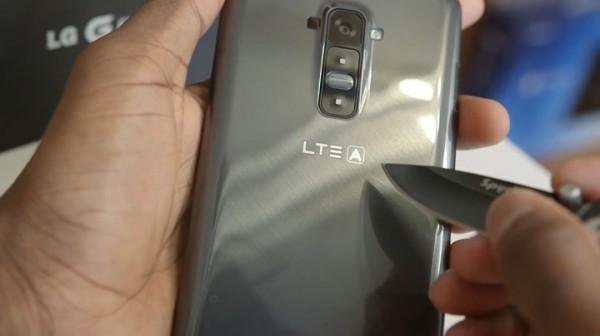 lg-g-flex-le-smartphone-revolutionnaire-qui-se-repare-tout-seul6