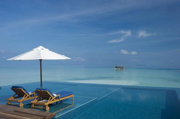 la piscine la plus incroyable du monde que vous allez absolument vouloir chez vous. Black Bedroom Furniture Sets. Home Design Ideas