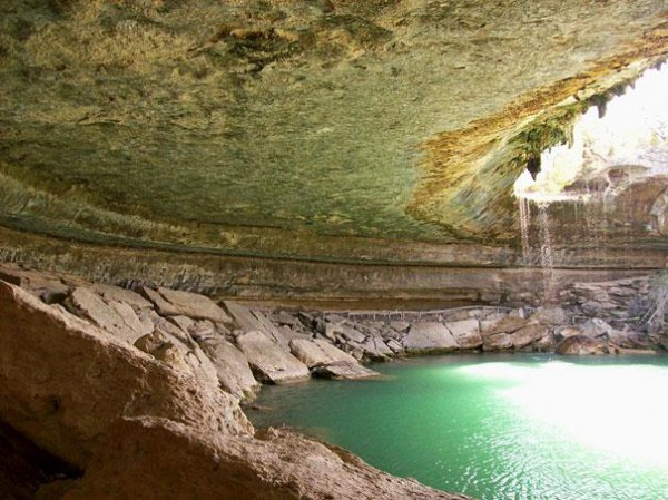 amazing-places-hamilton-pool-2