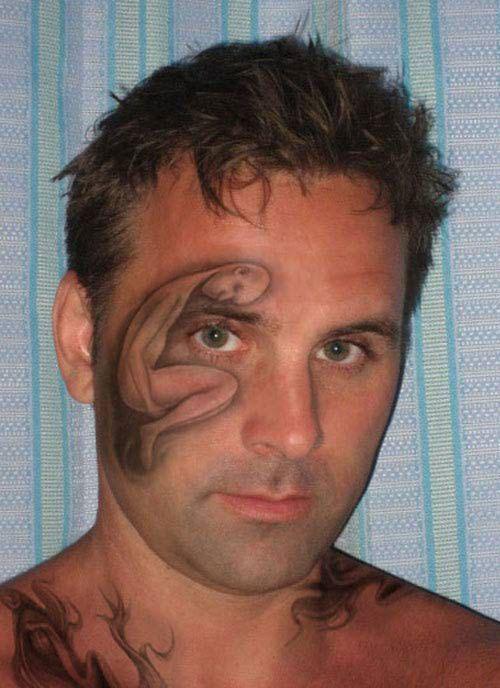 cette-serie-de-tatouages-faciaux-completement-dejantes-en-dit-long-sur-ces-personnes24