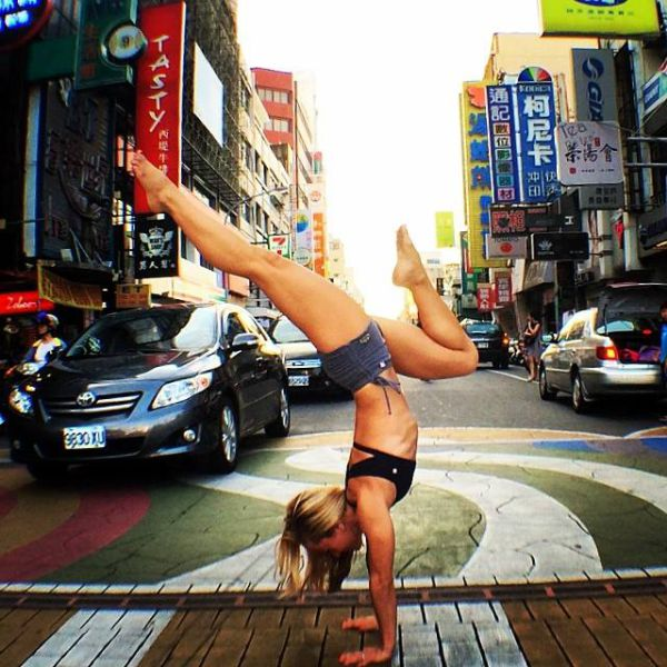 yoga_instructor_43