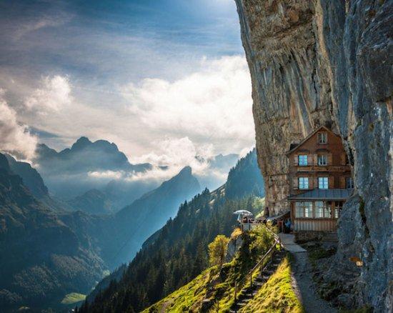 Ascher Cliff, Suisse