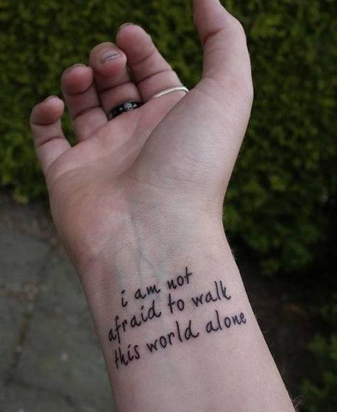"""""""Je n'ai pas peur de marcher seul dans ce monde"""""""