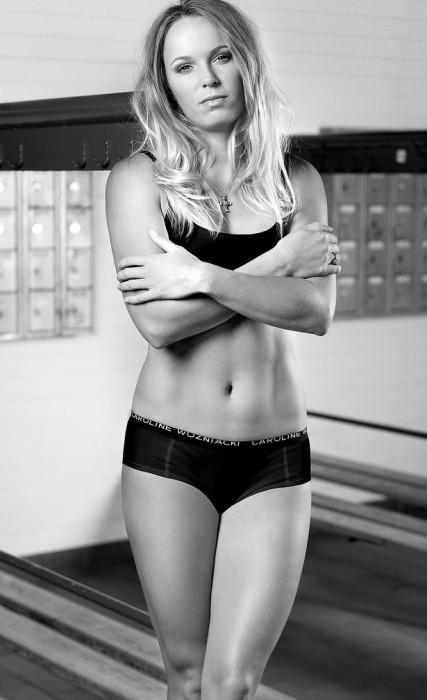 Caroline-Wozniacki-11-427x700