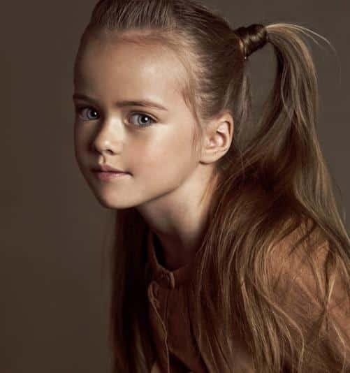 À 9 ans, cette petite fille est considérée comme la plus ...