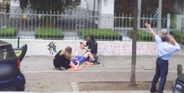 Un accouchement en pleine rue, pourquoi pas...