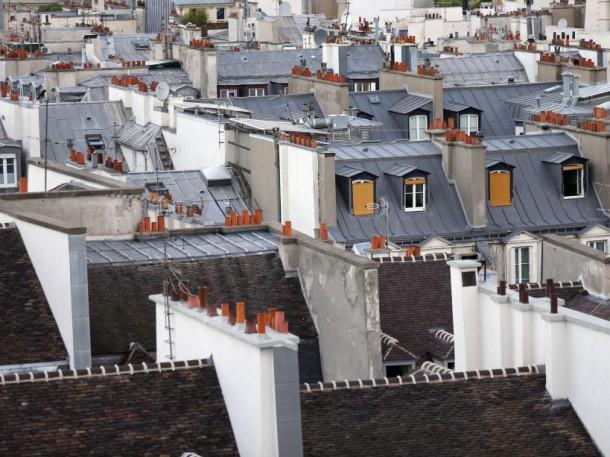 Toits d'immeubles parisiens (juin 2013) (AFP PHOTO/THOMAS SAMSON)