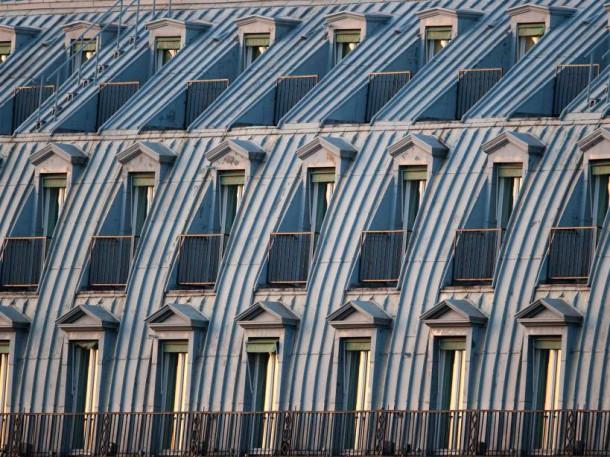 Toits parisiens (septembre 2009) (AFP PHOTO/MARTIN BUREAU)