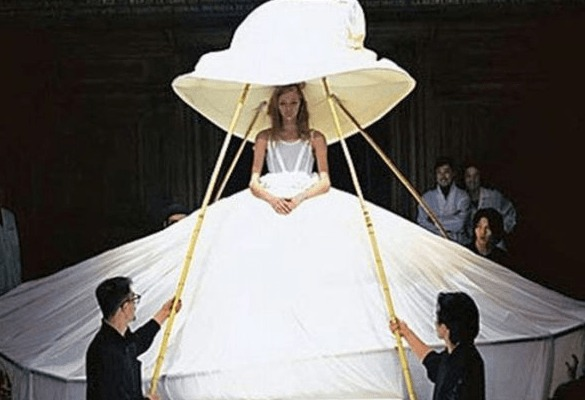 Des robes de mariées qui déchirent Rm21-1