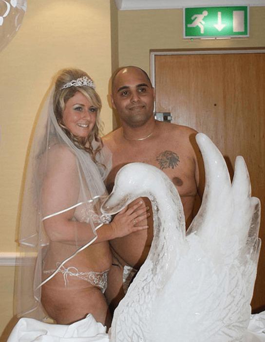 Des robes de mariées qui déchirent Rm23-1-544x700