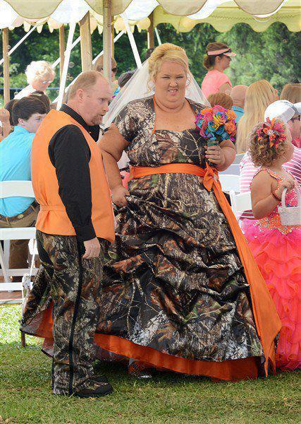 Des robes de mariées qui déchirent Rm8
