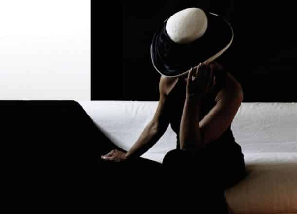 819738__mysterious-woman_p