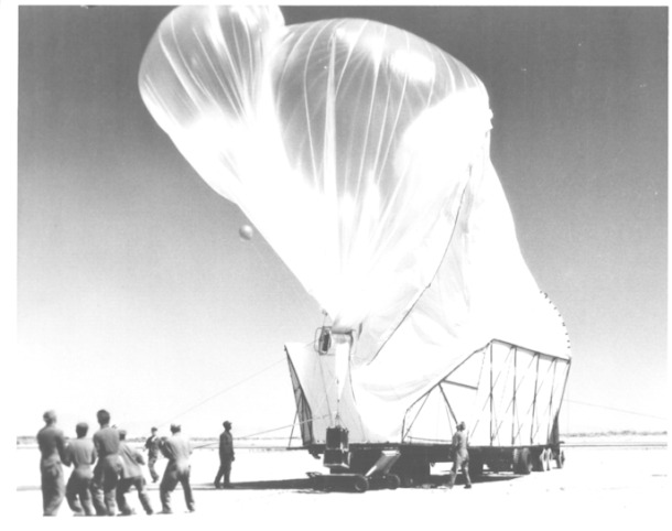 w_1024px-launch-of-moby-dick-balloon-1