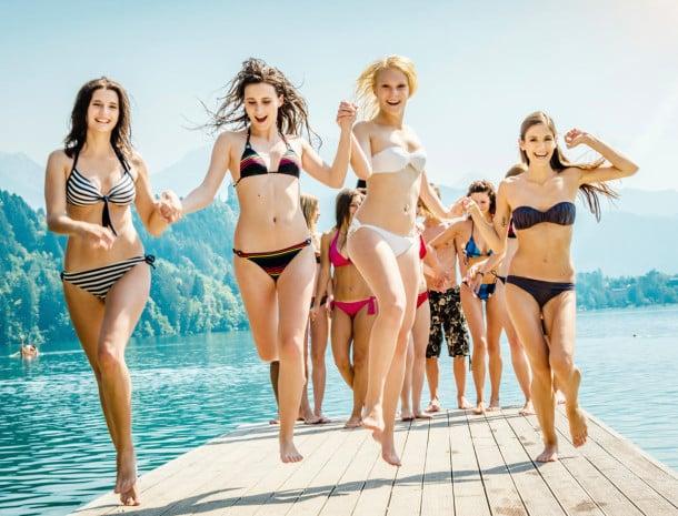 Que regardent les femmes la plage quand vous le d couvrirez vous allez vraiment halluciner - Sortie de plage femme ...