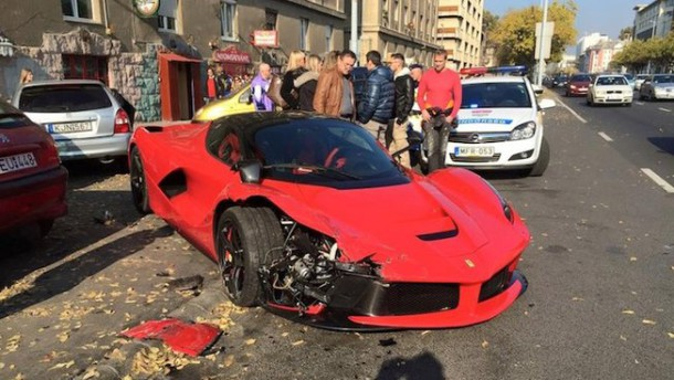 028C01EA08228508-photo-insolite-une-laferrari-percute-3-voitures-en-bulgarie