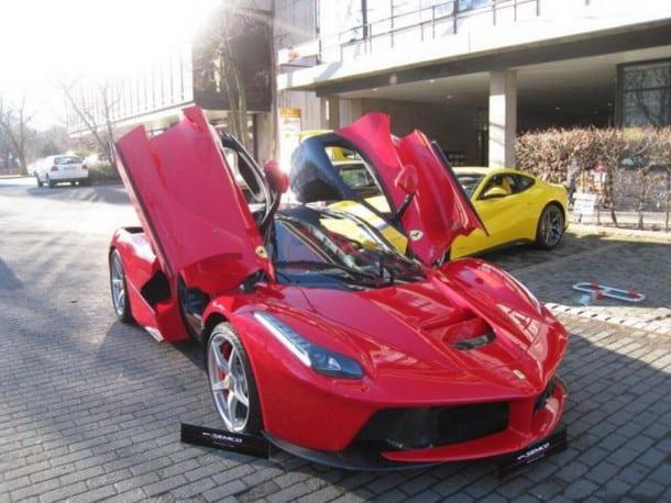 Ferrari-LaFerrari-numero-1-semco-03