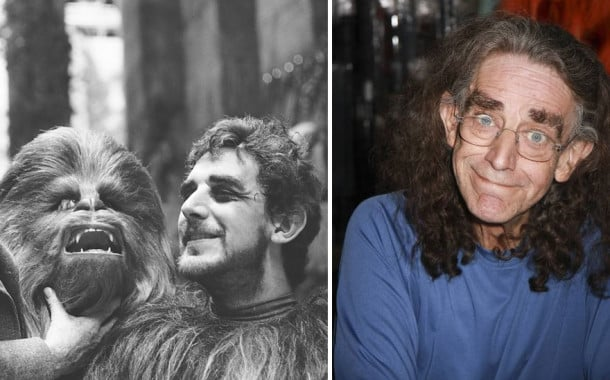 Peter Mayhew en Chewbacca, 1977 et 2015