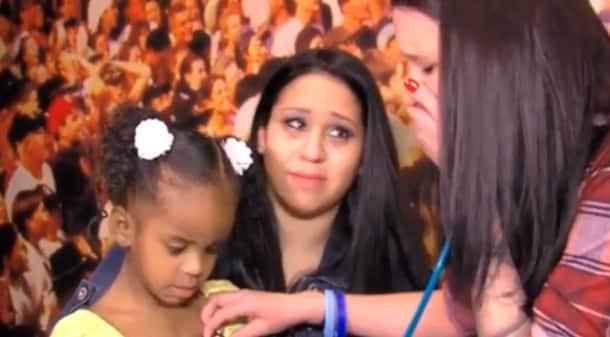 VIDÉO : une maman entend le coeur de son bébé décédé..