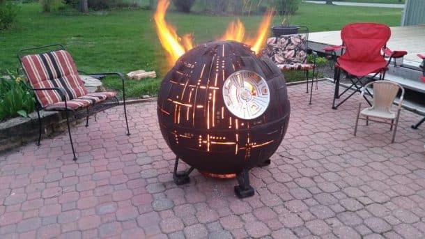 Cet Incroyable Barbecue Reproduit L 201 Toile De La Mort De