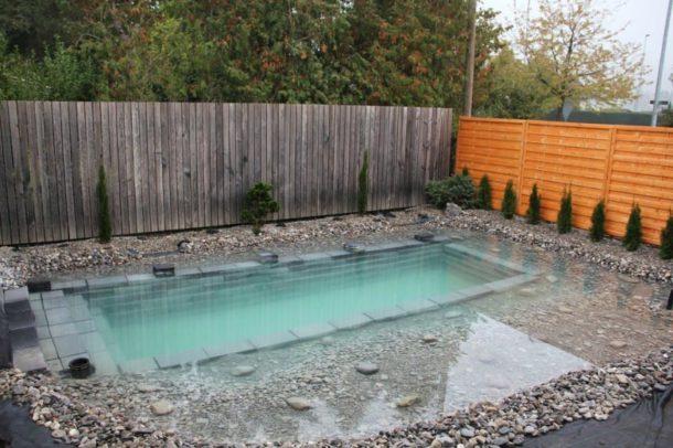 Cela ressemble une piscine ordinaire mais regardez ce for Piscine qui deborde