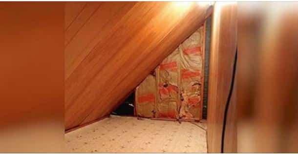 une maman trouve une petite porte cach e derri re la commode de son fils quand son fils est. Black Bedroom Furniture Sets. Home Design Ideas