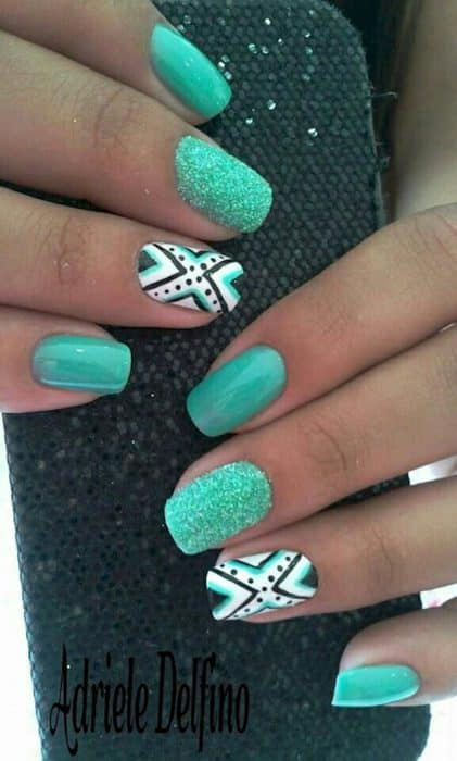 Nail art vert d'eau