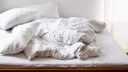 Voil pourquoi vous devriez absolument laver vos draps - A combien laver les draps ...