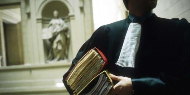 Voici les 10 secteurs professionnels dans lesquels les gens trompent le plus - Arnaque huissier de justice ...