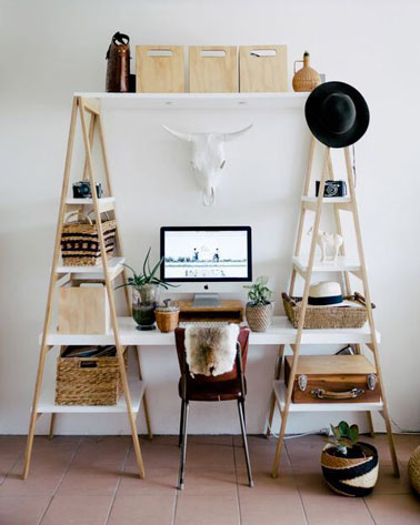 diy d co r alisez un bureau super sympa avec des chelles en bois et des planches. Black Bedroom Furniture Sets. Home Design Ideas