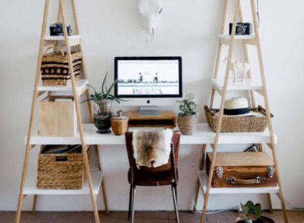 diy d co r alisez un bureau super sympa avec des chelles en bois et des planches. Black Bedroom Furniture Sets. Home Design Ideas