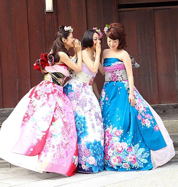 tenues de mariage pour le moins originales ! On vous laisse découvrir  ces robes kimonos qui n\u0027ont rien à envier à la plus décalée des robes de  mariées.