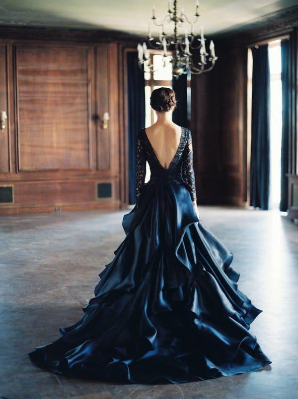 robe de mariée foncée