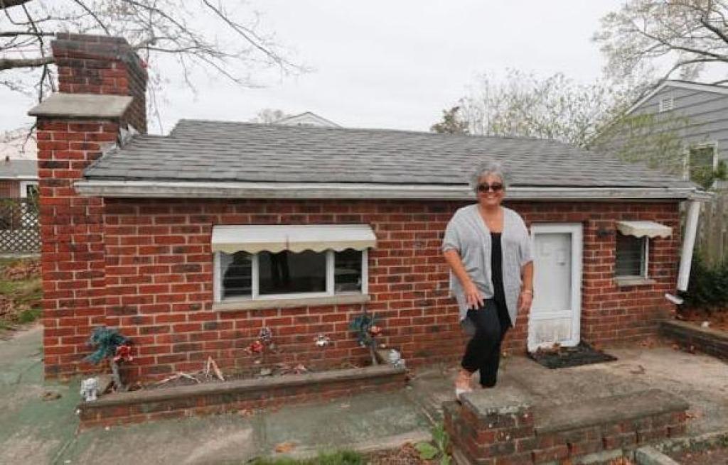 Ce couple a achet une maison et sur leur terrain se for Achete un maison